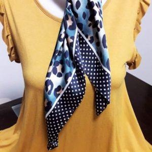 Pañuelo bandana azul y animal print