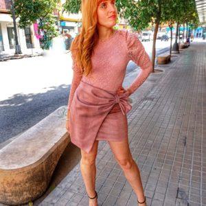 Falda rosa lazo
