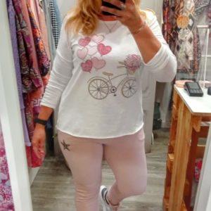 Camiseta bici y corazones